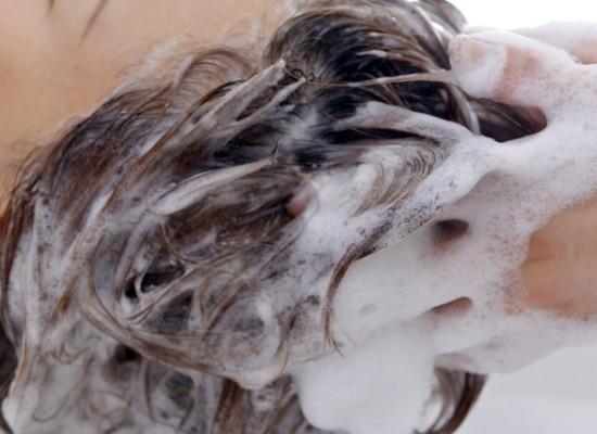 シャンプー時の抜け毛の本数は、何本から危ない?