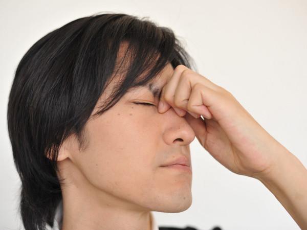 頭皮が乾燥して皮がむける原因と改善点について