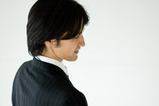 髪の生え際がかゆいのは危険!脂漏性皮膚炎にはどんな症状があるか